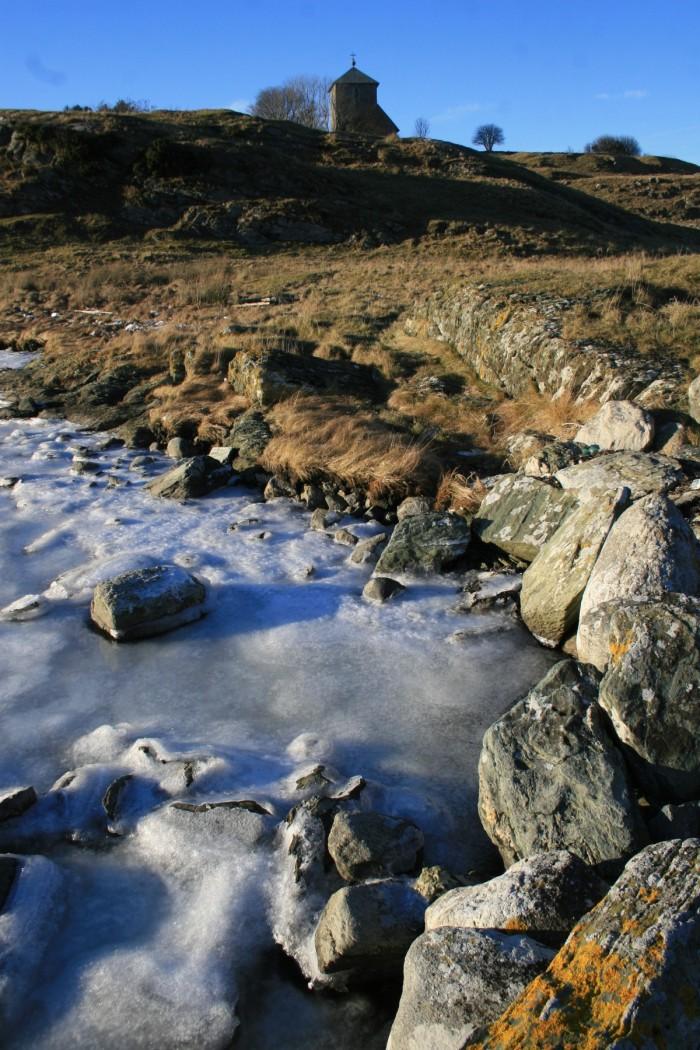 Lac gelé su l'île de Karnoy, en Norvège