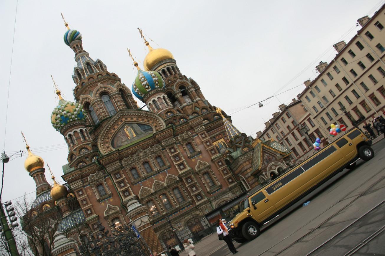 Saint Sauveur sur le sang versé, très célèbre monument de Saint Pétersbourg