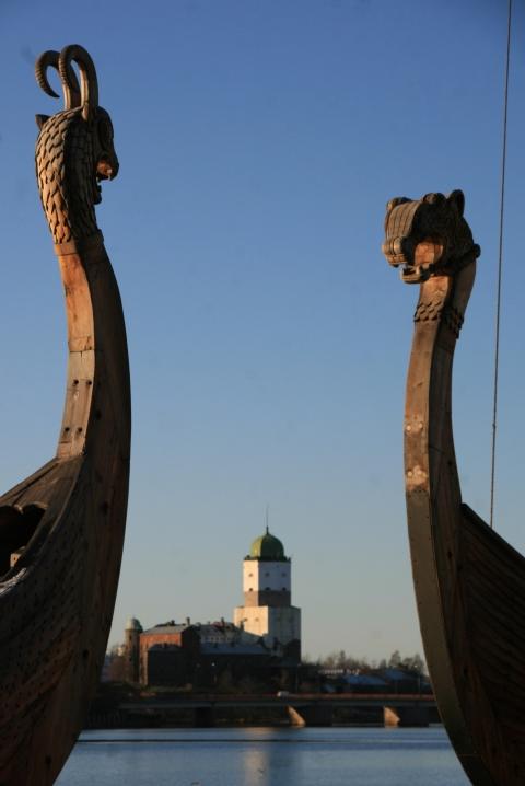 Drakkar sur le port de Vyborg