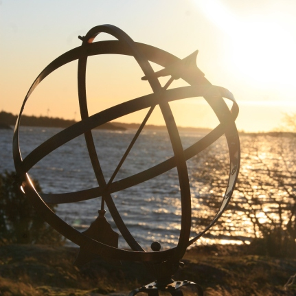 Globe à la flèche, Ålands, Finlande (novembre 2011)
