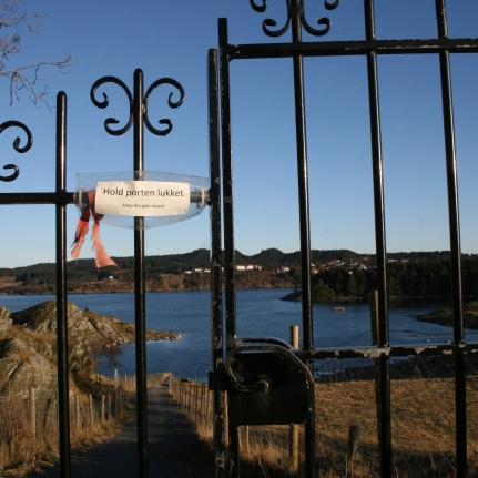 Portail sur l'île de Karmøy, novembre 2010