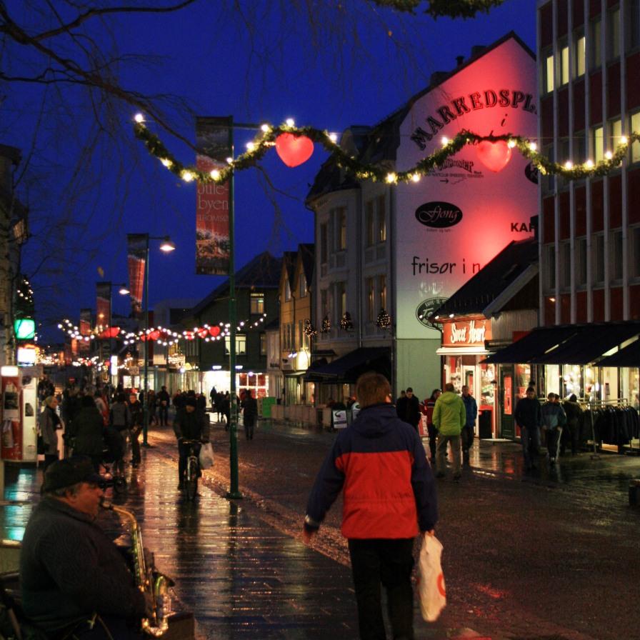 Saxophoniste sur la rue principale, Tromsø, décembre 2010