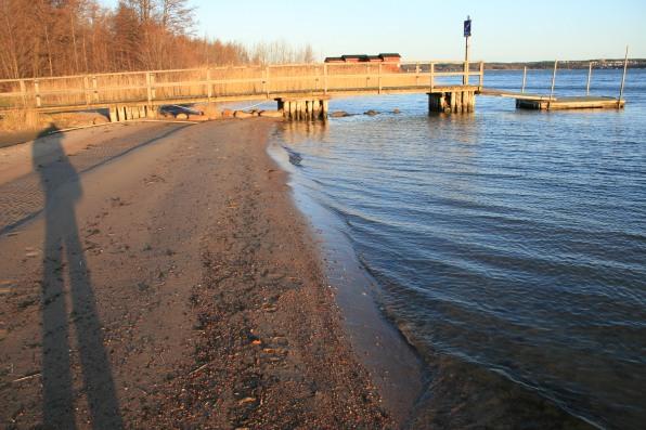 Ombre sur la plage, Ålands, Finlande (novembre 2011)
