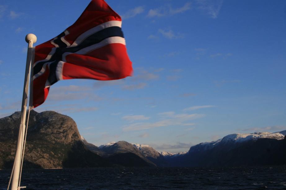 Drapeau norvégien et fjords, Norvège