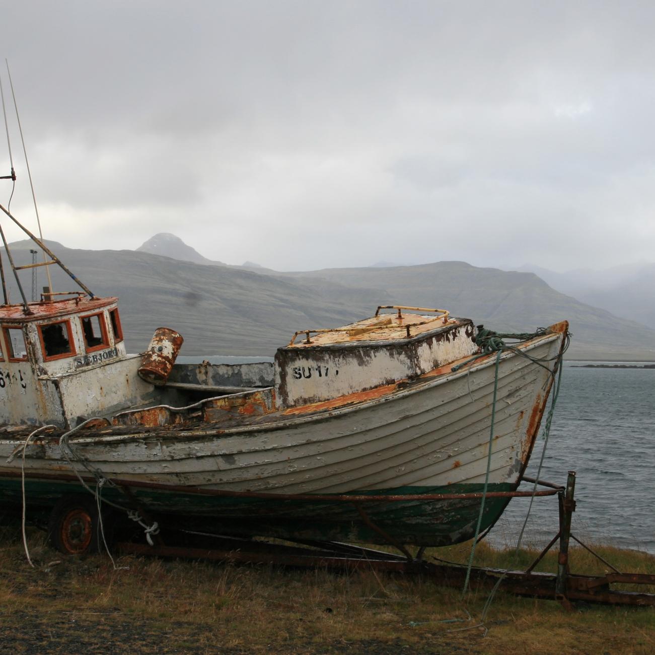Bateau rouillé, fjords de l'Est, Islande, septembre 2012