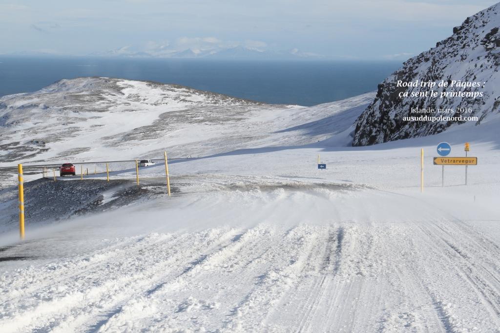 road trip islandais printemps montagne neige
